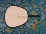 商品名称:红木 包边 小 宫扇 真丝 双面 团扇 (腰圆型)